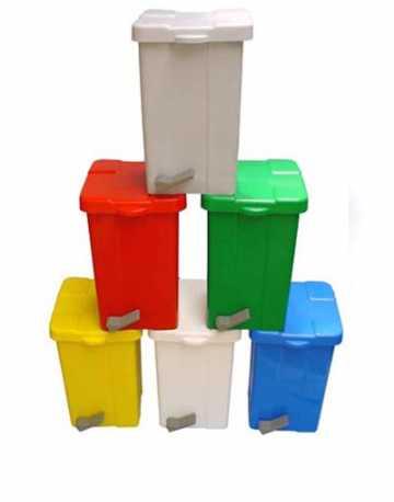 Lixeira Plástica com pedal 25 litros